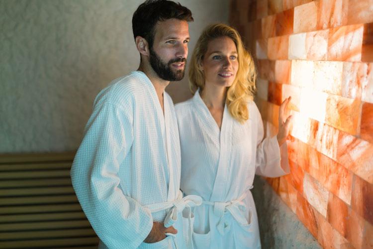 couple-enjoying-salt-therapy-room